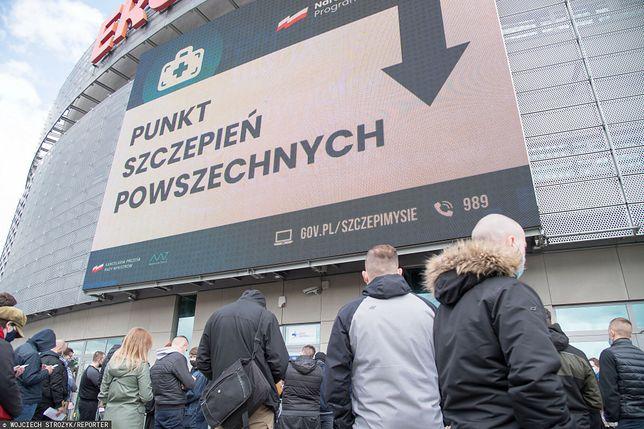 Szczepienia na COVID-19. Większość uprawnionych Polaków nie skorzystała z rejestracji