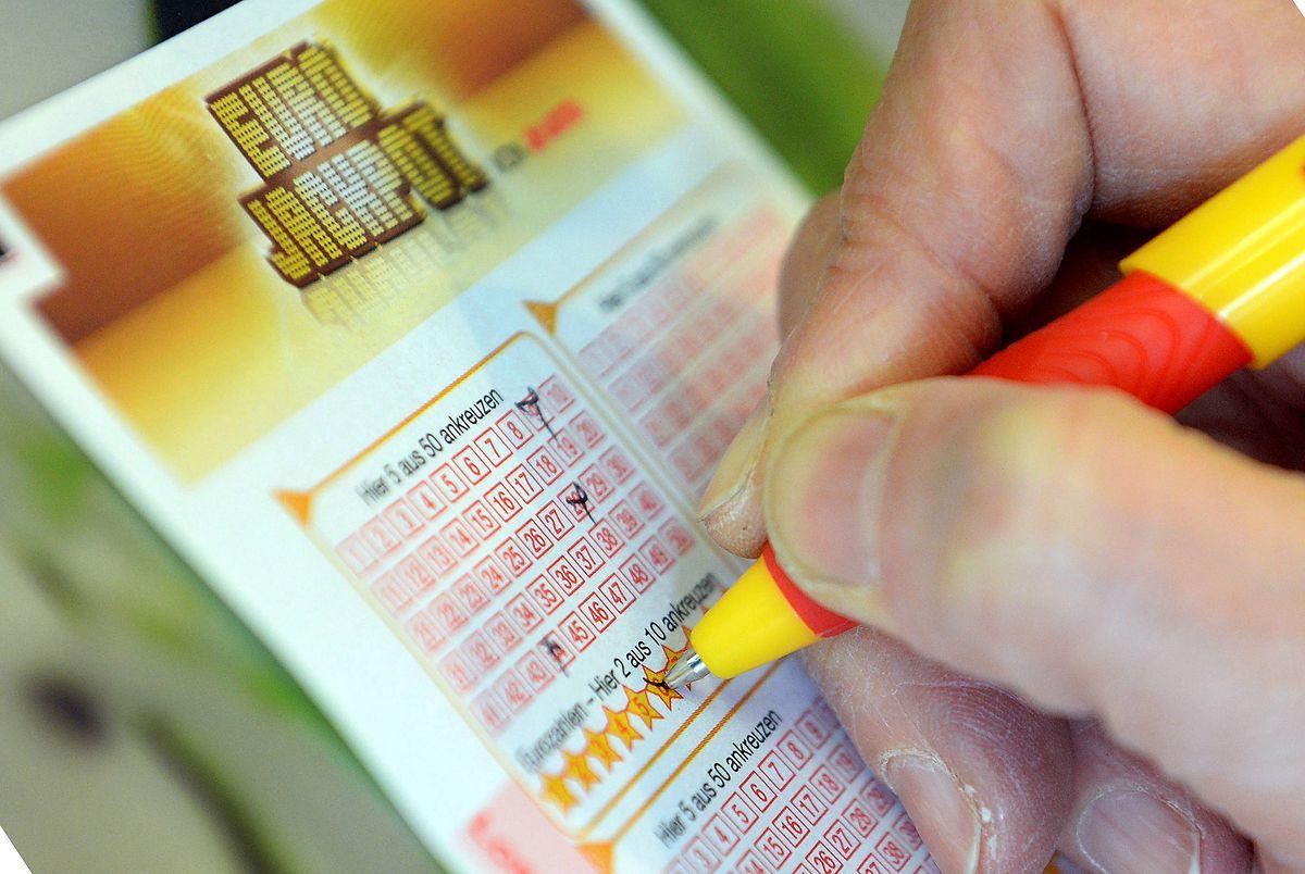 W piątek nie padła wygrana w Eurojackpot. Za tydzień 100 milionów do zgarnięcia