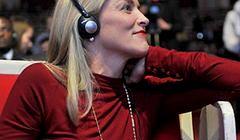 Sharon Stone na Szczycie Noblistów bez stanika