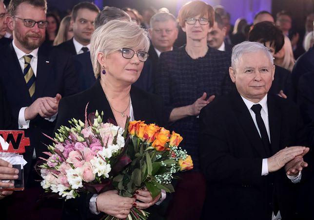 Wizyty Jarosława Kaczyńskiego u prezes TK. Firma chroniąca jej apartamentowiec na celowniku służb