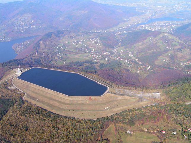 Zbiornik wodny elektrowni widziany z kabiny szybowca, rok 2008