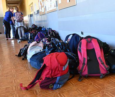 Akcja ważenia plecaków w SP nr 316 w Warszawie odbyła się 1 października