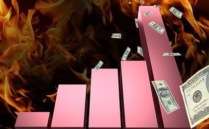 Rok spadających walut krajów posiadających ropę, dodruku pustego pieniądza i polityki