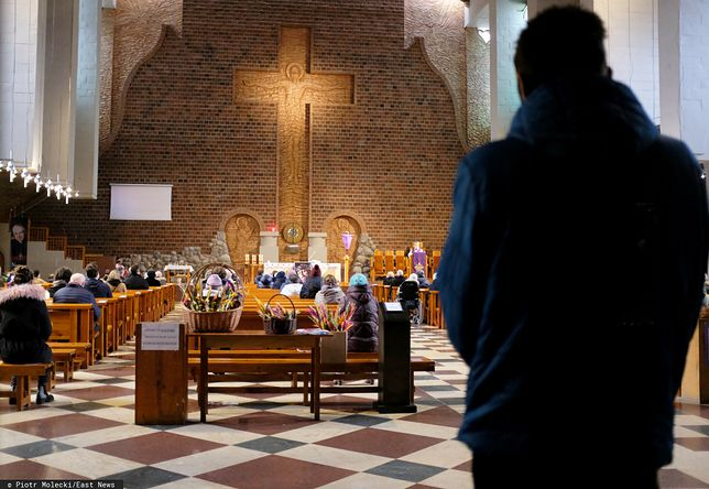 Nowe obostrzenia. Wiadomo czy nastąpi zamknięcie kościołów