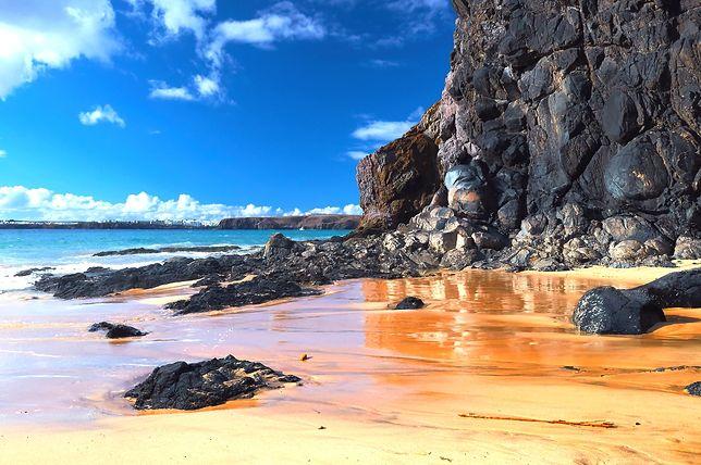 Słoneczna wyspa Lanzarote na Kanarach zaskakuje pięknymi widokami