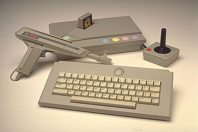 Atari XE Game System w wersji Delux.