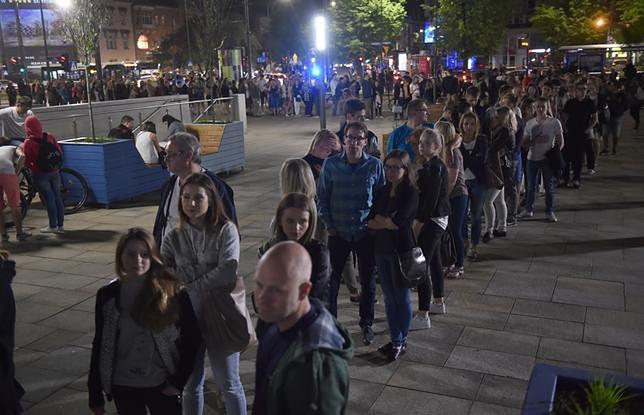 Podczas Nocy Muzeów 2017 gigantyczne kolejki ustawiły się m.in. przed Muzeum Narodowym w Krakowie