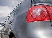 Handlowa gorączka w salonach samochodowych