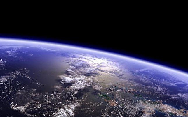 W najbliższą sobotę Ziemia znajdzie się w punkcie orbity położonym najdalej od Słońca