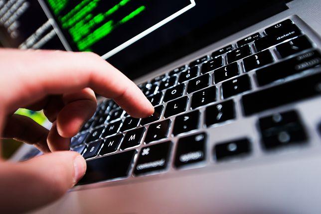 Rosyjski haker przed sądem. Przyznał się do oszustw