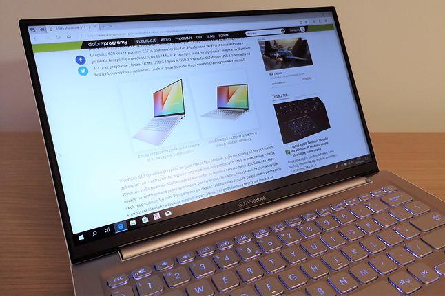 ASUS VivoBook S13: wydajny i atrakcyjny wizualnie laptop z szybkim WiFi i wygodną klawiaturą, ale bez kamery internetowej.