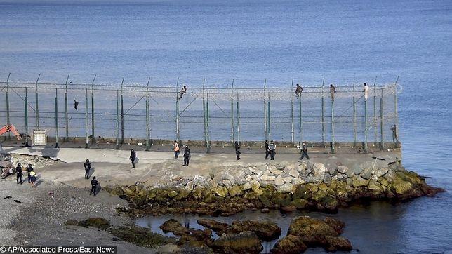 Hiszpania. 150 imigrantów wdarło się do Ceuty. Ranni żandarmi