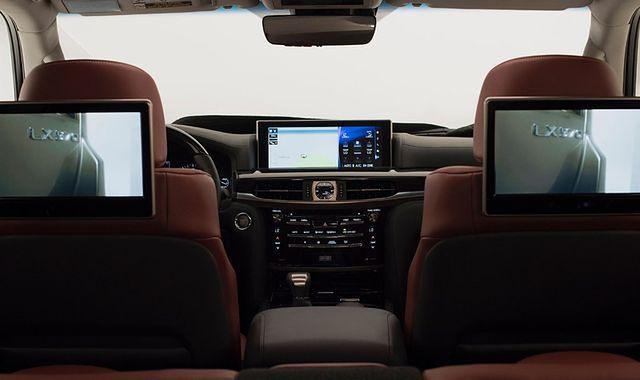 Lexusy z Apple CarPlay