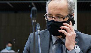 Koornawiurs w Polsce. Niedzielski zapowiada telefony do niezaszczepionych