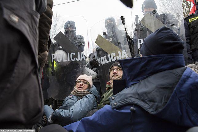 Hajnówka. Sąd uniewinnił osoby blokujące marsz narodowców