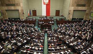 Na terenie Sejmu można spożywać alkohol