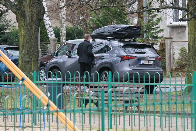 Donald Tusk i Małgorzata Tusk przyłapani przez paparazzich. Szef EPL wracał z żoną z treningu tenisa