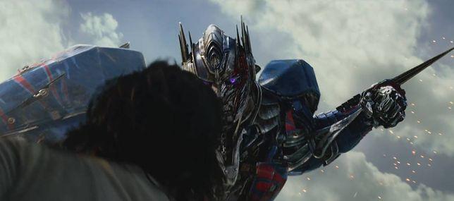 """""""Transformers: Ostatni Rycerz"""": spektakularny zwiastun nowego filmu Michaela Baya [WIDEO]"""