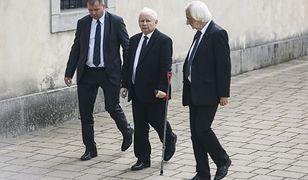 Prezes PiS Jarosław Kaczyński zapowiedział, że po wyborach parlamentarnych 2019 przejdzie operację kolana