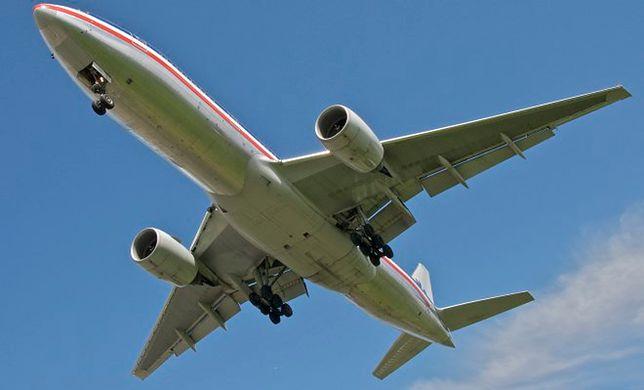 Turbulencje - skąd się biorą? Czy są niebezpieczne? I jakie miejsce w samolocie pozwoli ich uniknąć?