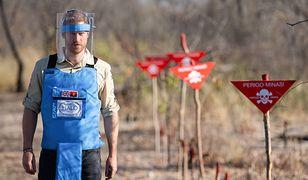 Książę Harry przeszedł po polu minowym w Dirico w Angoli