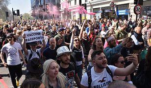 Wielka Brytania. Protest w Londynie przeciwko paszportom szczepionkowym