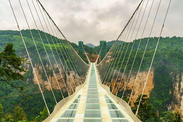 Szklane mosty – spacer po nich to nie lada wyzwanie! Sprawdź, gdzie je znaleźć