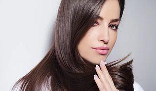 Regeneracja w płynie. Jakich składników szukać w serum do włosów?