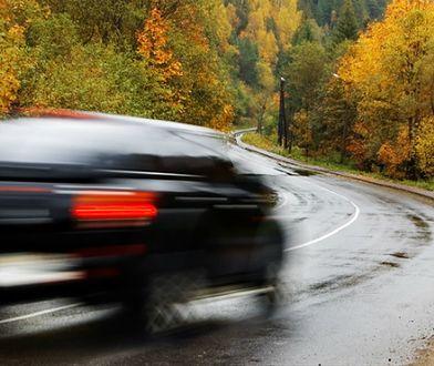 Deszczowe kłopoty za kierownicą
