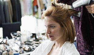 Usługi fryzjerskie w domu - jak korzystać z oferty online?