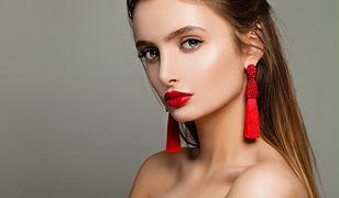 Makijaż rozświetlający dodaje cerze blasku i uwydatnia kości policzkowe