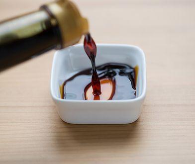 Sos tamari jest rodzajem sosu sojowego