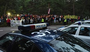 Protest przed prezydencką rezydencją w Helu