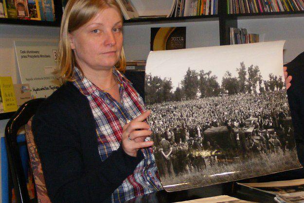 Nieznane wcześniej zdjęcia Poznania - widać na nich zniszczenia wojenne, ofiary i miejsca kaźni