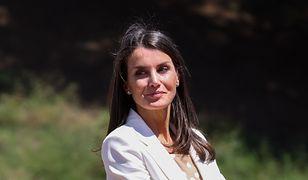 Królowa Letizia wybrała elegancką biel