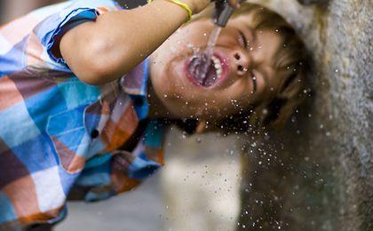 """""""Kranówka"""" wyparła colę. Kolejne szkoły chcą teraz dać dostęp do wody"""