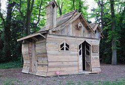 Francuski artysta zbudował bajkowy domek z palet