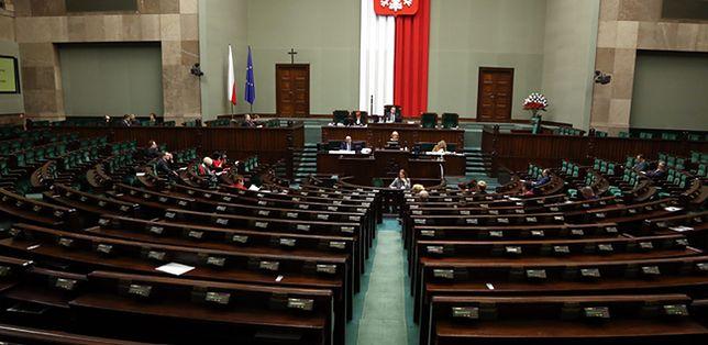 Komisja przeciwna większości poprawek do projektu reformy usług rynku pracy