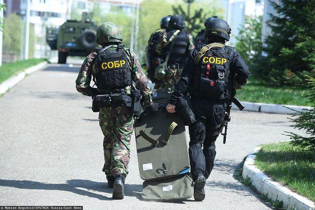 Służby przypuściły szturm na szkołę w Kazaniu