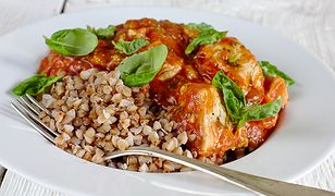 Kasza gryczana z kurczakiem. Pyszny obiad za małe pieniądze