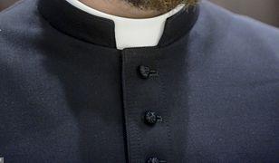 W Szczecinie dotkliwie pobito młodego księdza. Zdjęcie ilustracyjne