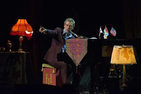 Jak śpiewa dr House? Hugh Laurie wystąpi w Poznaniu