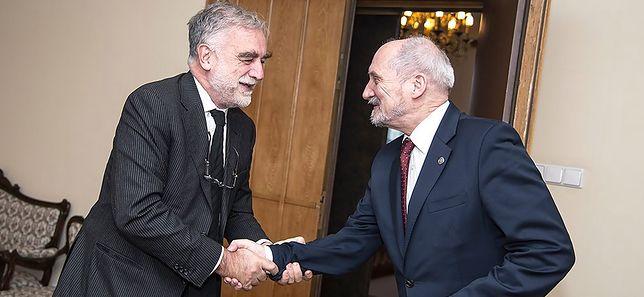 Luis Moreno Ocampo miał pomóc Antoniemu Macierewiczowi odzyskać wrak tupolewa. Teraz mierzy się z poważnymi zarzutami.