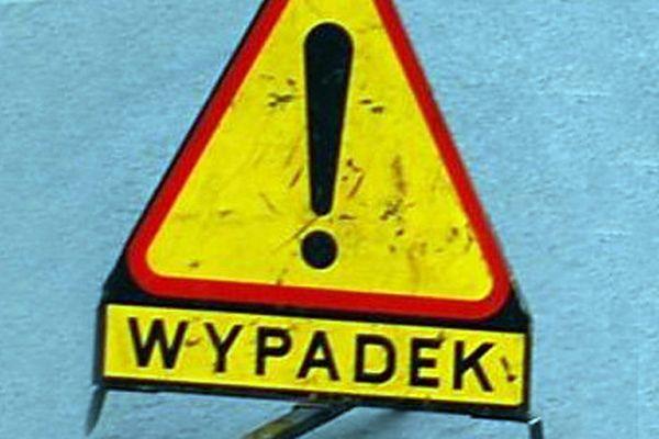 Czołowe zderzenie w Legnicy. Śmierć poniósł motocyklista
