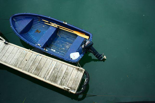 Martwy mężczyzna w łodzi. Makabryczne odkrycie pod Szczytnem