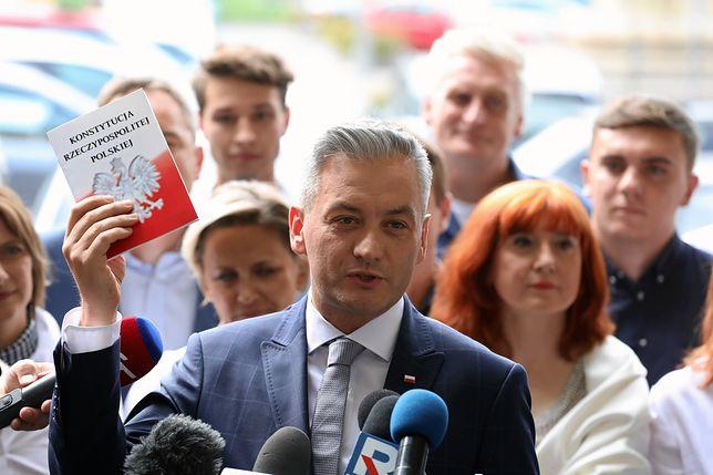 """Gorąca dyskusja Roberta Biedronia i Moniki Olejnik w TVN24. """"W waszej stacji dochodziło do sytuacji skandalicznych"""""""