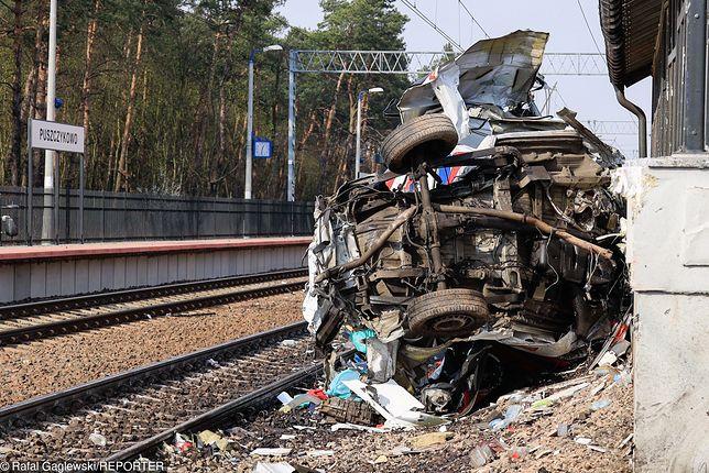W wypadku zginęło dwóch członków załogi karetki