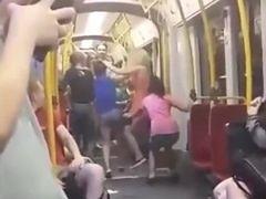 Zatrzymano jedną z uczestniczek bójki w tramwaju