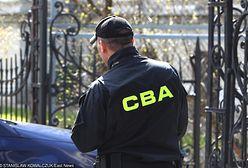 """Zarzuty dla byłego agenta CBA. """"Na przesłuchanie przyjechał zakuty w kajdanki"""""""