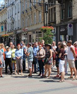 Bytom. Pasjonujące spacery. Odkryli piękno ulicy Dworcowej i tajemnice Dworca PKP